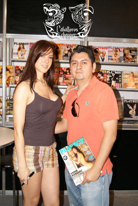 JB Caballero con modelo de la revista play boy México